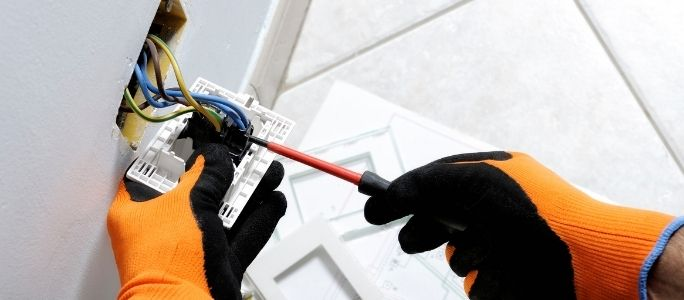 Top 7 Common Electrical Problems and Solutions