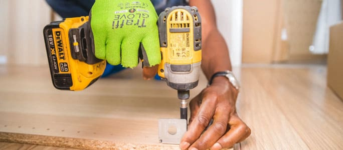 Why Choose a Home Warranty Over a Handyman
